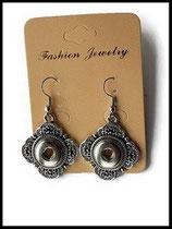 support boucles d'oreilles bouton snap métal argenté motif vintage oreilles percées - Réf : 1142.