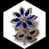 Broche fleur bleu royal métal argenté, strass BRO048