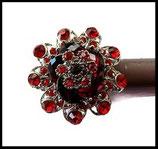 Grosse bague élastique 3D strass rouges métal argenté BAG077