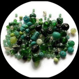 Lot 31 g perles de verre mélange bleu et vert - perles de verre mélange vert et bleu X 31 g pour création de bijoux Réf : 1438