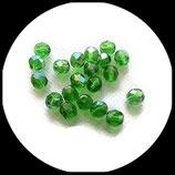 Perles de verre à facettes irisées vert  7 X 6 mm X 20 perles Réf : 862