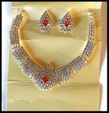 Parure collier et boucles d'oreilles strass naturels et rouges style rivière  PAR029