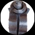 Echarpe XXL  tricotée main camaïeu marron et gris.