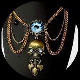 Gothique victorien collier plastron oeil, crane, poignard fait main