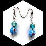 Boucles oreille fil aluminium argent avec perle verre turquoise fleurie BO038