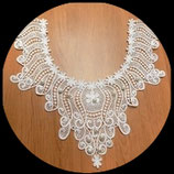 Faux col floral à coudre blanc, perles nacrées blanches  FCO041