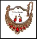 Parure bohème collier et boucles d'oreilles dorés, strass rouges  PAR013