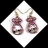 boucles oreilles goutte en  fil aluminium rose et or,  perles - bijou fait main