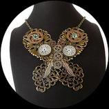 Collier plastron steampunk papillon fait main - bijou de créateur unique.