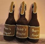gehäkelte Bierflasche