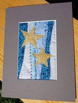 goldene Sterne auf blauem Grund