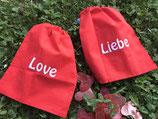 """Baumwoll-Beutel bestickt mit """"Liebe"""" oder """"Love"""""""