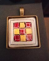 Pendentif diapré or et rouge