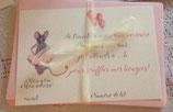 Le kit anniversaire comprend : 6 invitations (format carte postale) 6 enveloppes 6 étiquettes tags 6 cartes remerciements et un poster format A3  pour annoncer votre fête!
