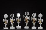 # 18 Ständer Pokale Silber farben mit Sockel