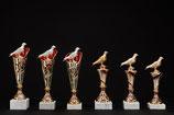 # 09 Ständer Pokale mit und ohne Rassetauben