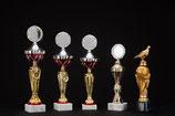 # 17 Pokale in 3 Größen, Ständer und Weltkugel