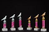 # 15 Pokal Ständer mit Taube Silber oder Gold