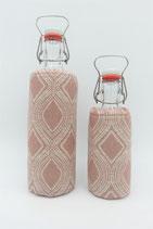 """Flaschenbezug für 0,5L oder 1L Flaschen """"Raute Rosa"""""""