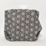 Geometrisches Muster weiss auf schwarz