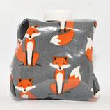 Fuchs rot/braun auf grau