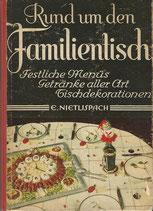 Rund um den Familientisch 1947