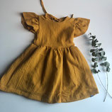 Kleid aus Musselin mit Flügelärmeln