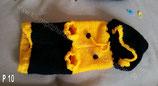 P 10 Selbstgestrickter Hundepullover Schwarz/Gelb Mütze