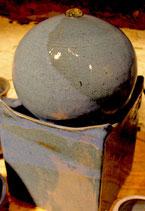 Zimmer Springbrunnen- WMSB blau -   ∅ ca. 18 mal 18 cm. H. 33 cmMit Pumpe