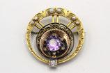 14 Karaat gouden broche bezet met diamant, amethist en pareltjes.