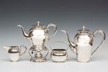 5-Delig Hollands zilveren koffie- en theeservies met parelrand, koffiepot, theepot met comfoor en roomstel, Aubert 20e eeuw.