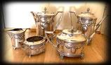 5-Delig zilveren servies, koffiekan, chocoladekan, theepot en roomstel, C.G.Hallberg, Stockholm, Zweden, Art Deco.