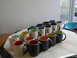 Kaffeebecher innen farbig glänzend