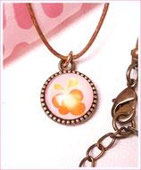 Halskette mit Anhänger, Schmetterling, Braun auf Rosa