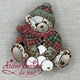 Knopf Teddy mit Schneeball