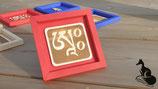 A - Tibetisches Mantra Silbe in feiner Holzgravur im Karton-Rahmen - Größe  11x11x1 cm