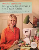 Martha Stewart's Encyclopedia of Sewing and Fabric Crafts マーサ・スチュワート