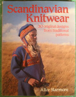 Scandinavian Knitwear: 30 Original Designs from Traditional Patterns スカンジナビアのニットウェアの本