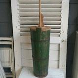 Zweedse houten ton met stamper