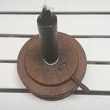 Houten kloskandelaar