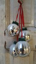 Tros van 4 kerstballen