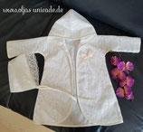 Taufmantel mit 100% Baumwolle und mit Spitze in Weiß oder in Creme