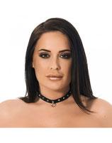 Halsband mit Nieten und Ring