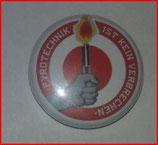 Button Pyrotechnik ist kein Verbrechen Rot
