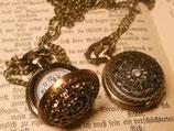 Ornament | Taschenuhr