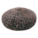 Bruine baret met leopard print