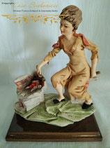 "Skulptur ""Sitzende Frau vor Feuerstelle"""