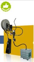 Suministrador a pared para bidón  de 1.000 L, carrete, soporte antigoteo, bomba y pistola digital Velyen 4LM0050