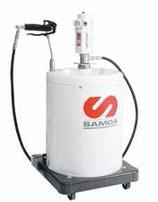 Equipo de engrase carenado con contador electrónico para bidones 12-20 kg MODELO EGC-20/450C REF. Samoa 486 201
