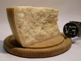 Parmigiano Reggiano taglio roccia